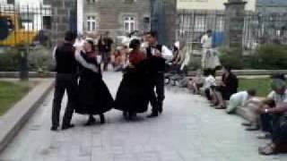 preview picture of video 'Le bagad Men Ru à l'office de tourisme, Montfort-sur-Meu, Brocéliande, Bretagne'
