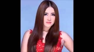 Yessy Bintang - Hatiku Terbang [Official Video Music]