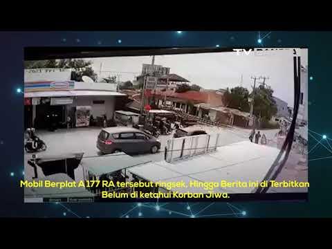 Terobos Perlintasan Kereta Api, Honda Brio di Cilegon Ringsek