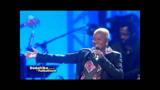 Angelique Kidjo & Soweto Gospel Choir - Malaika, Afirika