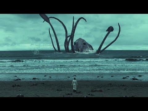 女孩好心收養一隻小章魚,沒想到竟然長到100米高,到處捕食人類