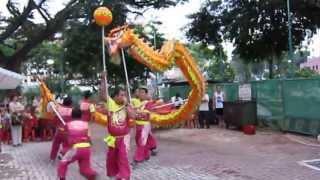 Dragon Dance For Chinese Mid Autumn (Mooncake) Festival In Singapore | EnterSingapore.info