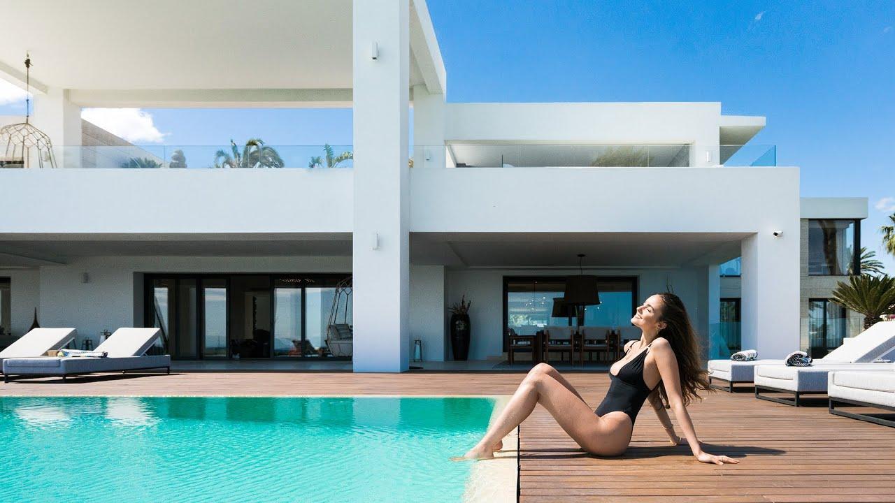 Villa  till salu i   Paraiso Barronal, Estepona