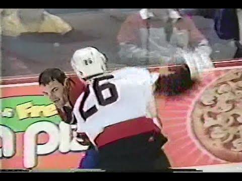 Andre Roy vs. Gino Odjick