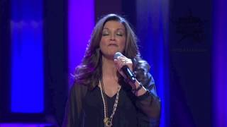"2011 MDA Telethon Extras - Martina McBride ""Anyway"""