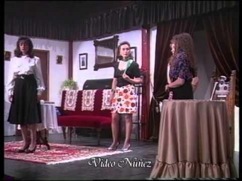 1994 Maribel y la extraña familia