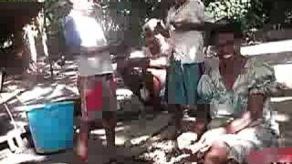 preview picture of video 'Cracking shells, Pellonk, Vanuatu'