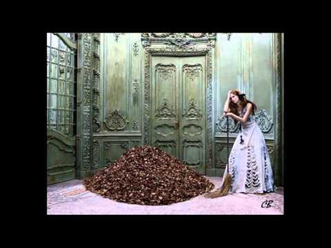 Grace Jones - Autumn Leaves