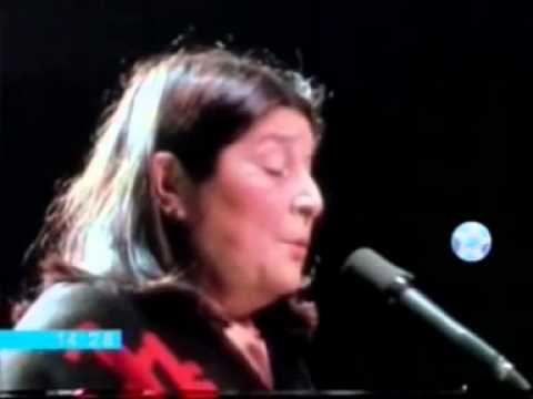 Mercedes Sosa-Inconsciente colectivo-con Charly Garcia-11