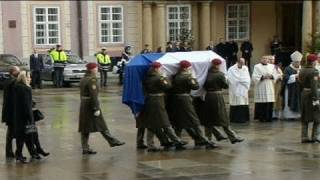 Czechs and the world say farewell to Vaclav Havel