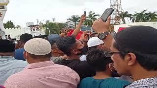 Eks Kombatan GAM Kibarkan Bulan Bintang di Masjid Raya