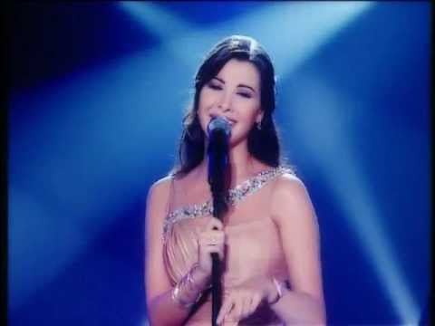 Nancy Ajram - Mestaniak (Live) / نانسي عجرم - مستنياك