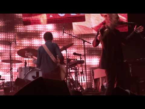 RADIOHEAD - Lotus Flower (HD) Live in Paris 2012 (1)
