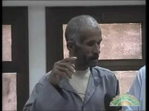 وجد فيديو لزوجته في موبايل صديقه فقتله