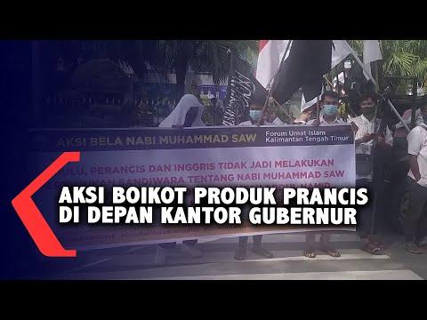 aksi boikot produk prancis di depan kantor gubernur kaltim