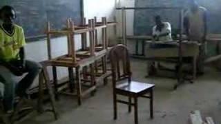 preview picture of video 'Institut des Jeunes Sourds Brazzaville, atelier menuiserie'