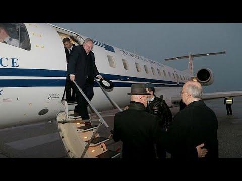 ΠΓΔΜ: Ιστορική προσγείωση Νίκου Κοτζιά στο αεροδρόμιο των Σκοπίων…