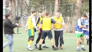 Футбольные братья на стадионе Торпедо