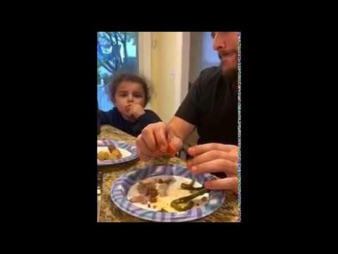 הטריק של אבא והילדה החכמה - סרטון שיגרום לכם לצחוק!
