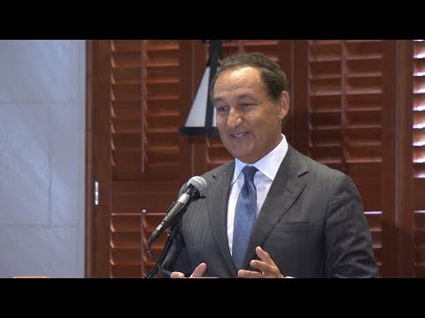 Oscar Munoz - The June Luncheon 2017