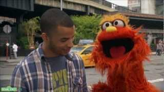 Sesame Street: Word on the Street - Attach