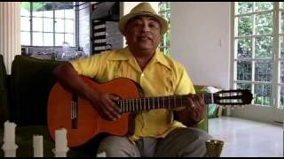 Jose Luis Orozco Sings in Spanish for SpanglishBaby Amigos