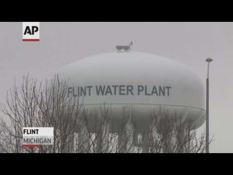 Michigan prosecutors have dropped all criminal charges against eight people involved in the Flint water crisis, more than three years after investigators began examining what left the city's water system tainted with lead. (June 13)