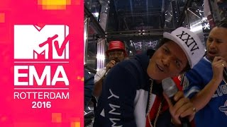 Download Video Bruno Mars – 24K Magic (Live From The 2016 MTV EMAs)