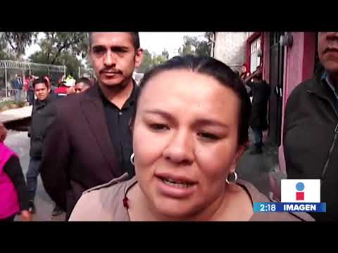 Caen dos autos a un socavón en Ecatepec | Noticias con Yuriria Sierra