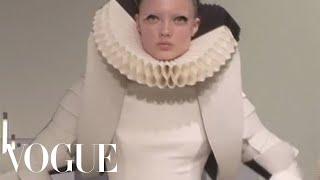 Fashion Show - Gareth Pugh: Spring 2009 Ready-to-Wear