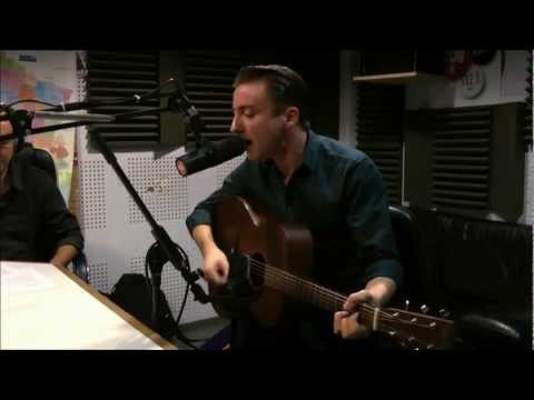 Eugene McGuinness - Sugarplum (live on OÜI FM - acoustic session)