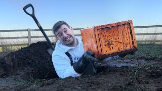 I Went Metal Detecting & Found Old Rusty Abandoned Safe… (Treasure Hunt Challenge)