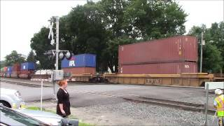 preview picture of video 'CSX Freight Train in Fonda Village (Town of Mohawk), NY'