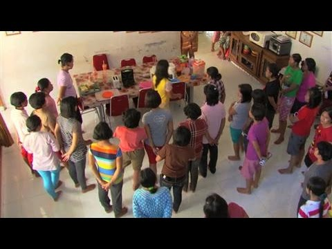 mp4 Hiring A Maid In Indonesia, download Hiring A Maid In Indonesia video klip Hiring A Maid In Indonesia