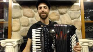 How to Play a 96 Bass Accordion - Lesson 1 - Klezmer Freygish Scale in D - Zemer Atek