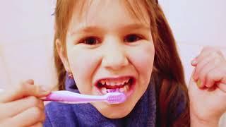 Не хочет ИДТИ К СТОМАТОЛОГУ ! Почему ЯНА РАССТРОЕНА? У СТОМАТОЛОГА Лечим зубы Скетчи от Yana