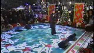 Clay Aiken Performs Winter Wonderland On His 26th Birthday