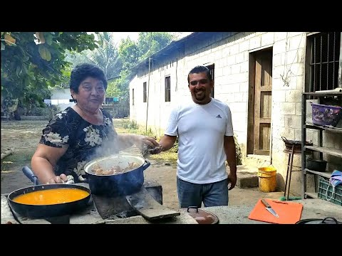 CRISTIAN AYUDA A SU MAMA| A cocinar POLLO EN CREMA.