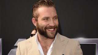 Jai Courtney Is So Hairy, He Had To Shave His Chest For Terminator Genisys!