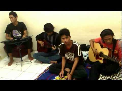 The Rave   Perasaanku Live Accoustic