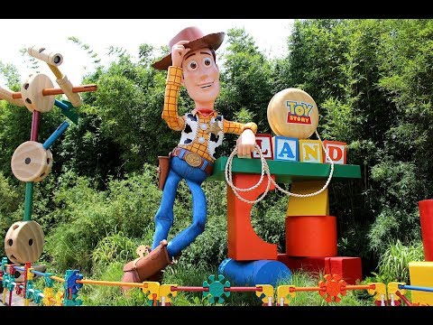 PAX Explores Toy Story Land With ACV