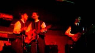 Young Blood - Banda Rhythm & Beatles