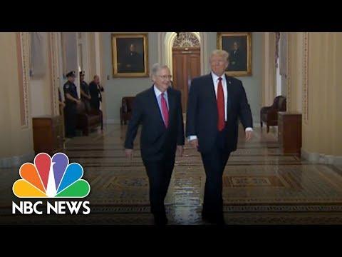 Президента США Дональда Трампа в Конгрессе забросали маленькими российскими флагами
