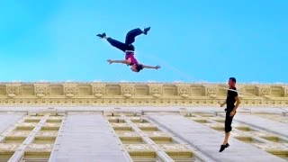 Die besten 100 Videos Lufttanz - Amelia Rudolph and Roel Seeber dance on the side of Oaklands city hall