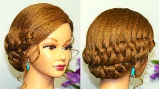 Прическа для средних волос на основе узлов.
