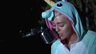 A Devastated Miley Cyrus Cries While Singing a Song She Wrote About Her Dead Blowfish