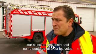 preview picture of video 'Exercice de crise à Enghien: accident de train simulé avec les pompiers'