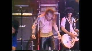 Axl Rose and Izzy Stradlin Guns n Roses - Paradise City 1988