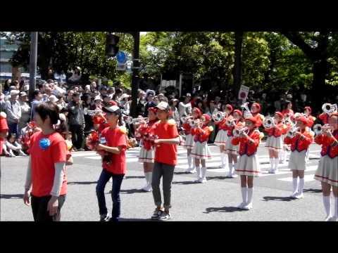 ヨコハマチキージャス/日枝小学校金管バンド Bright Cherry (第61回ザよこはまパレード:キッズパレード)