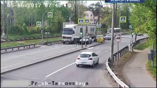 Сотрудники сестрорецкого хлебозавода пострадали в ДТП на Приморском шоссе